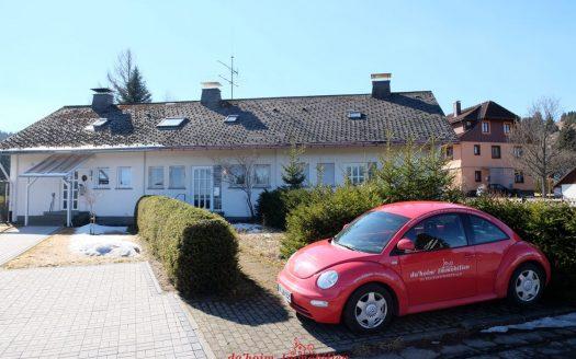 Reihenhaus in Feldberg-Altglashütten mit S-Bahn Anschluss nach Freiburg - als Ferienhaus mit 3 Schlafzimmern oder Festwohnsitz nutzbar. rd 105 m² Wohnfläche