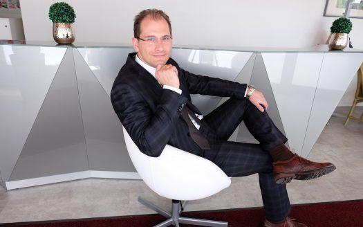 Johannes H. Dietrich  Exklusivmakler und Firmeninhaber